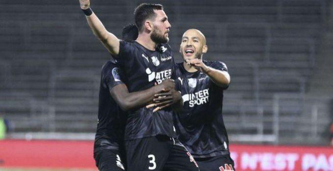 Soi kèo nhà cái Amiens SC vs Brest, 2/11/2019 - VĐQG Pháp [Ligue 1]
