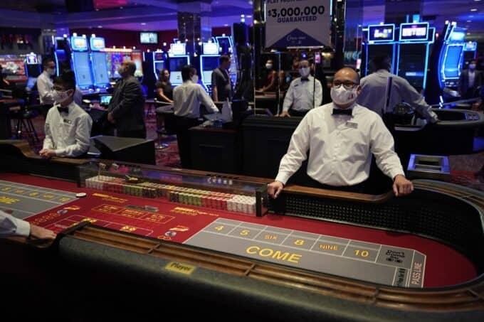 Huong dan cach choi Poker (Texas Hold'em)