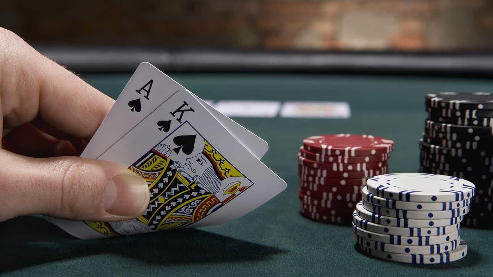 Các cao thủ nói gì về cách chơi xì dách Blackjack