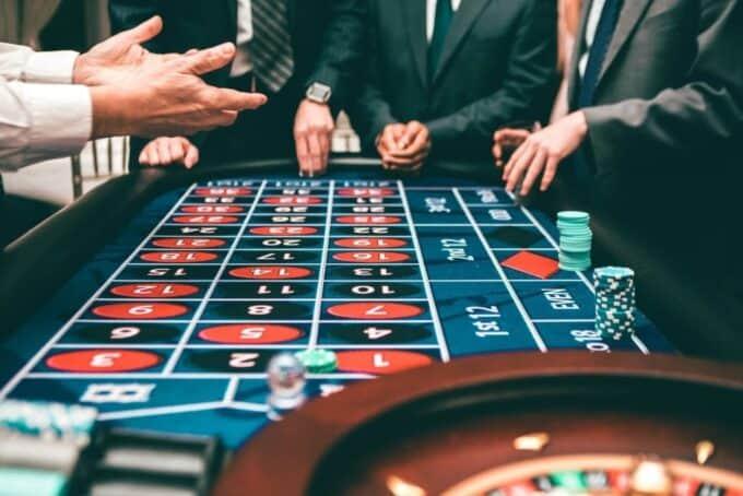 Y nghia cua meo choi va Cheat Sheet trong tro Blackjack