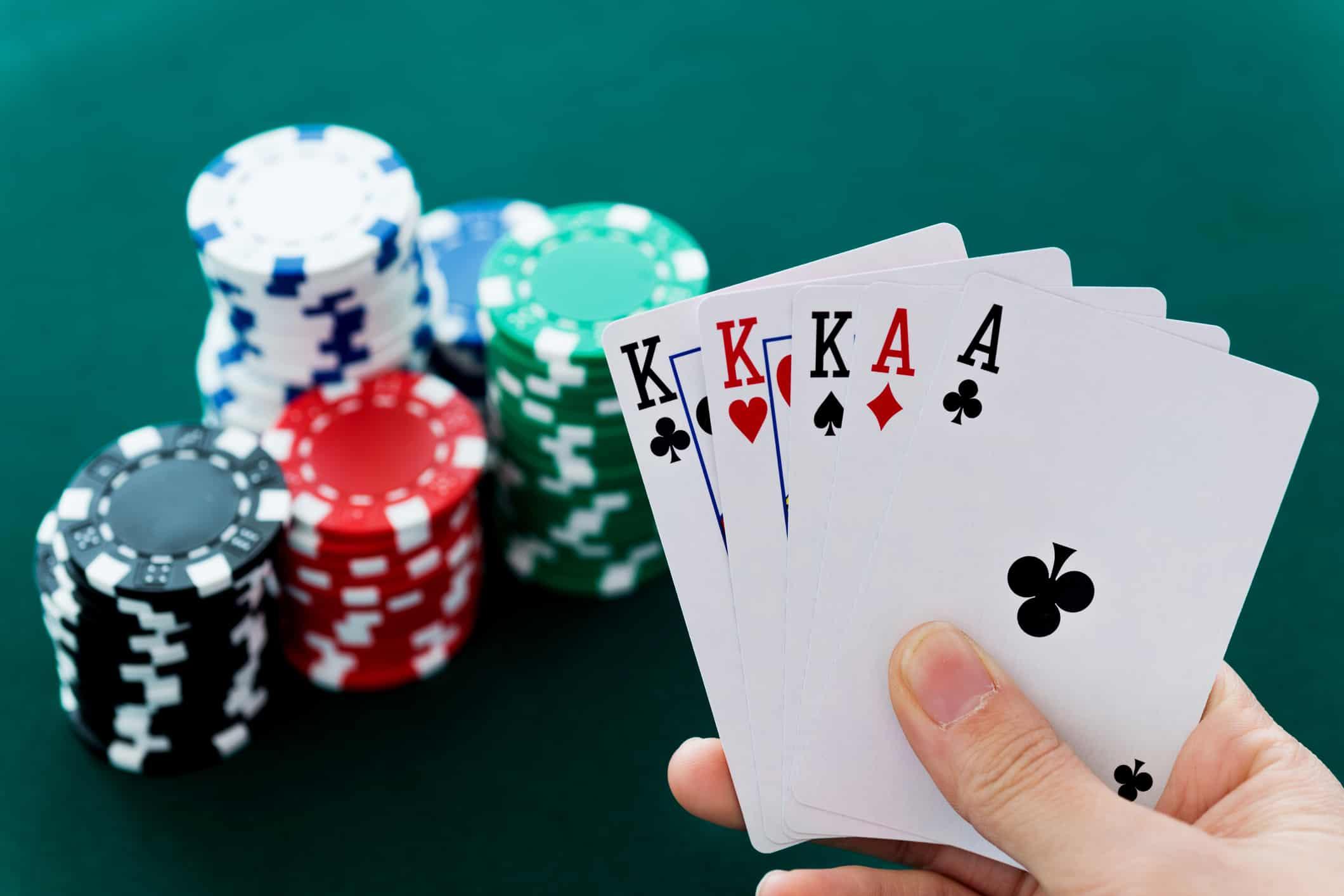 Poker và những sai lầm người chơi cần tránh để không bị mất tiền