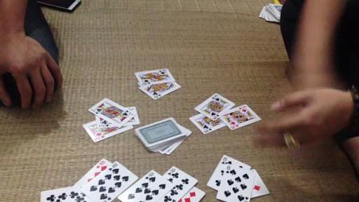 Một vài chiến thuật cơ bản giúp bạn thắng trong game đánh bài ba cây online